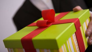 Three Top Tips for Sending Corporate Gifts This Christmas